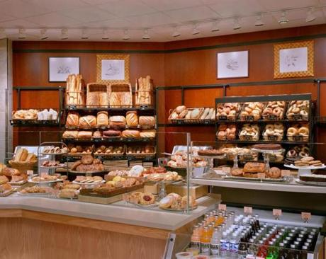 "With its fresh-baked goods and stylish interiors, Panera has vaulted to the top of the ""fast casual'' restaurant category."